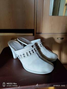 Отдам обувь две юбки - P90621-165202.jpg